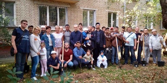 В рамках акции «Наш лес» мусульмане Химок высадили 50 кустарников и 10 деревьев