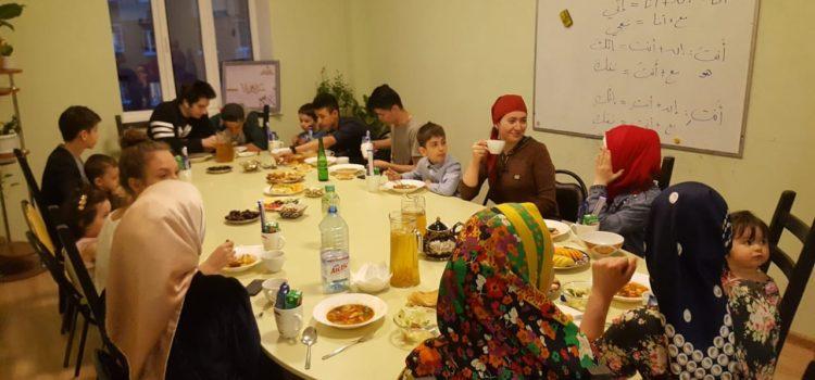 В МРОМ г.о.Химки прошел молодежный ифтар