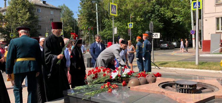 Прошла церемония возложения цветов в память о погибших в Великой Отечественной войне